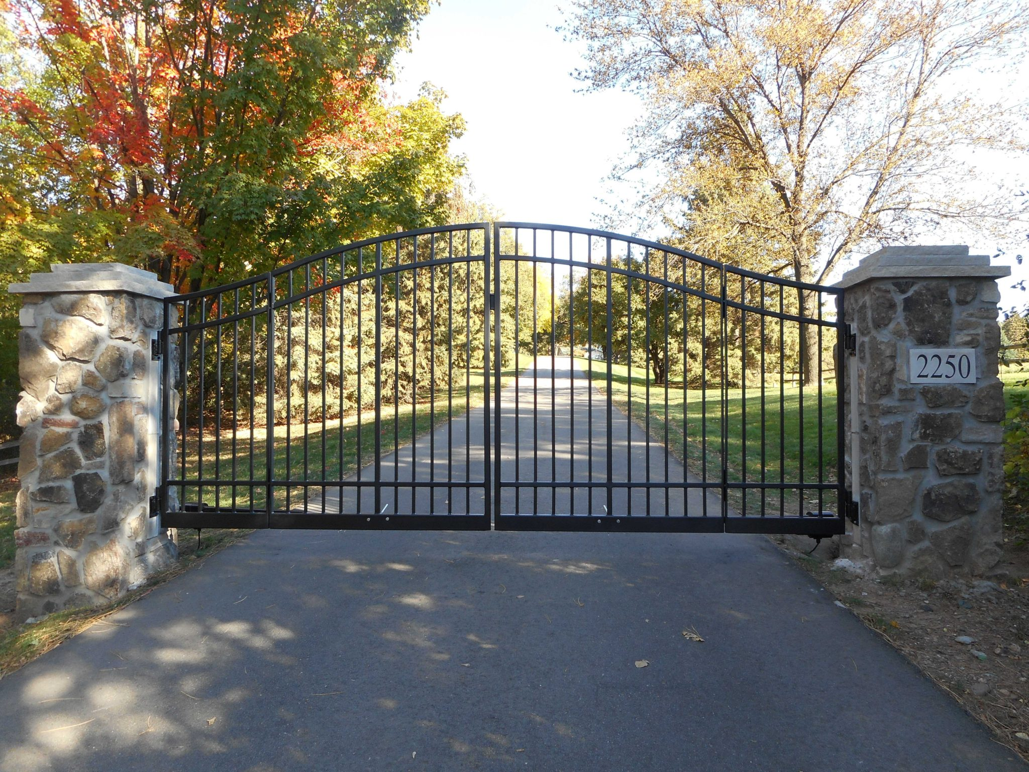 3 Reasons You Should Install An Iron Driveway Gate At Your